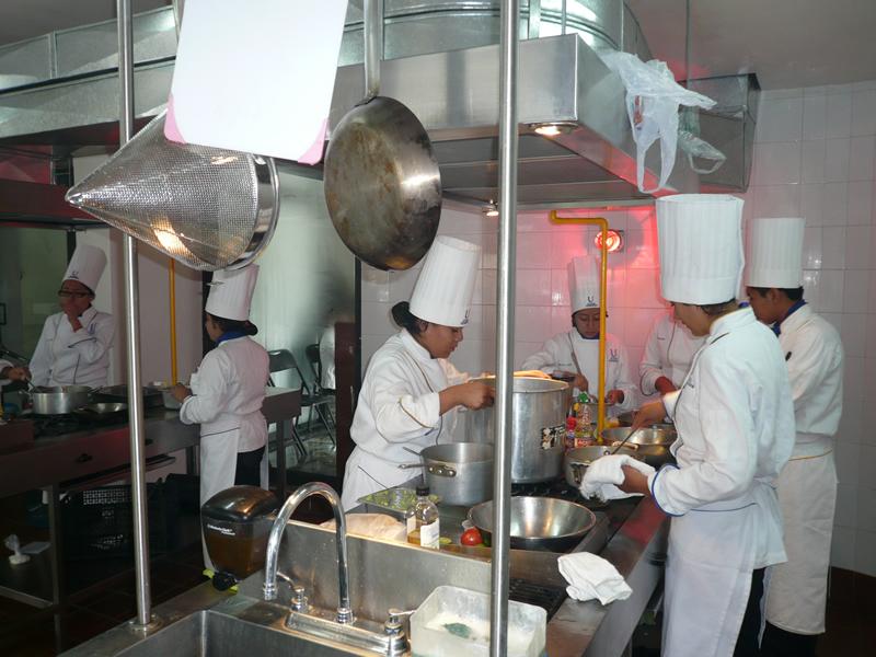 Alumnos de Gastronomía